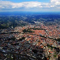 Flugwegposition um 11:13:00: Aufgenommen in der Nähe von Graz, Österreich in 1642 Meter