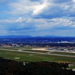 Flugwegposition um 10:55:51: Aufgenommen in der Nähe von Pirka, Österreich in 835 Meter