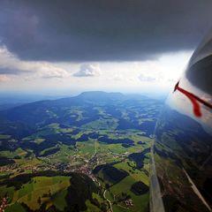 Flugwegposition um 13:58:27: Aufgenommen in der Nähe von Gemeinde Semriach, Österreich in 1532 Meter