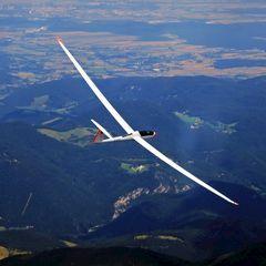 Flugwegposition um 12:38:03: Aufgenommen in der Nähe von Gemeinde Puchberg am Schneeberg, Österreich in 2208 Meter