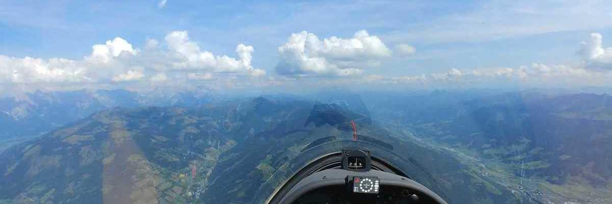Flugwegposition um 12:45:40: Aufgenommen in der Nähe von Gemeinde Zell am See, 5700 Zell am See, Österreich in 2319 Meter