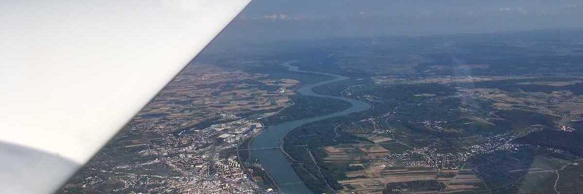 Flugwegposition um 14:36:29: Aufgenommen in der Nähe von Gemeinde Dürnstein, 3601 Dürnstein, Österreich in 1999 Meter