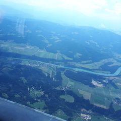 Flugwegposition um 12:40:17: Aufgenommen in der Nähe von Gemeinde Lavamünd, Österreich in 2122 Meter