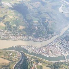 Flugwegposition um 16:02:37: Aufgenommen in der Nähe von Niederbayern, Deutschland in 2427 Meter