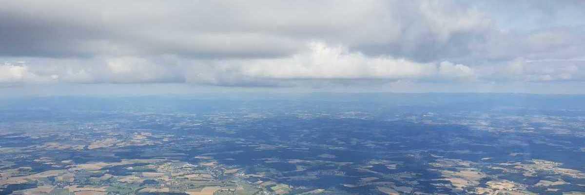 Flugwegposition um 12:52:32: Aufgenommen in der Nähe von Passau, Deutschland in 2108 Meter