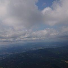 Flugwegposition um 10:49:19: Aufgenommen in der Nähe von Okres Český Krumlov, Tschechien in 1831 Meter