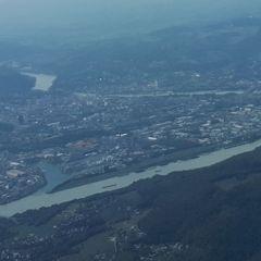 Flugwegposition um 13:26:13: Aufgenommen in der Nähe von Gemeinde Luftenberg an der Donau, Österreich in 1571 Meter
