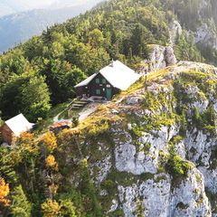 Flugwegposition um 15:40:37: Aufgenommen in der Nähe von Gemeinde Miesenbach, Österreich in 1148 Meter