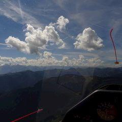 Flugwegposition um 10:48:21: Aufgenommen in der Nähe von Gemeinde Bad Goisern am Hallstättersee, Bad Goisern am Hallstättersee, Österreich in 1570 Meter