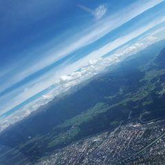 Flugwegposition um 13:38:13: Aufgenommen in der Nähe von Innsbruck, Österreich in 2010 Meter
