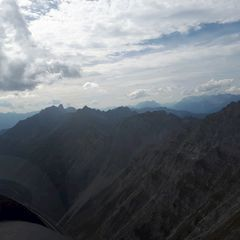 Flugwegposition um 13:58:50: Aufgenommen in der Nähe von Gemeinde Thaur, Thaur, Österreich in 2258 Meter
