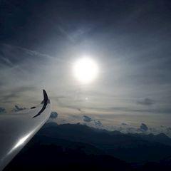 Flugwegposition um 15:42:49: Aufgenommen in der Nähe von Gemeinde Gries am Brenner, Österreich in 2372 Meter