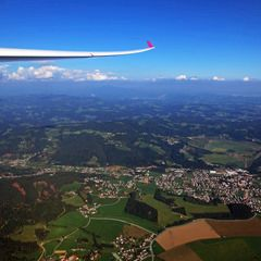 Flugwegposition um 13:43:36: Aufgenommen in der Nähe von Gemeinde St. Martin am Wöllmißberg, Österreich in 1416 Meter
