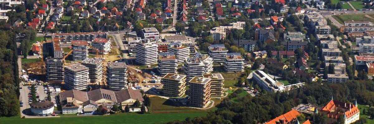 Flugwegposition um 11:09:12: Aufgenommen in der Nähe von Graz, Österreich in 962 Meter