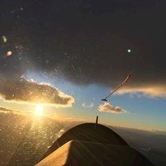Flugwegposition um 16:44:13: Aufgenommen in der Nähe von Gemeinde Zell, Österreich in 2628 Meter