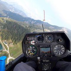 Flugwegposition um 12:45:15: Aufgenommen in der Nähe von Gemeinde Seefeld in Tirol, Seefeld in Tirol, Österreich in 1734 Meter