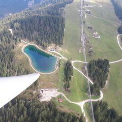 Flugwegposition um 12:45:31: Aufgenommen in der Nähe von Gemeinde Seefeld in Tirol, Seefeld in Tirol, Österreich in 1742 Meter