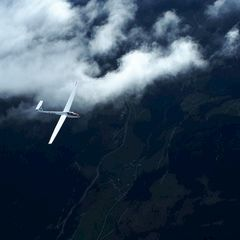 Flugwegposition um 14:51:06: Aufgenommen in der Nähe von Gemeinde Schmirn, 6154, Österreich in 3889 Meter