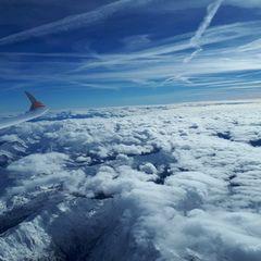 Flugwegposition um 12:01:42: Aufgenommen in der Nähe von Gemeinde Tulfes, Österreich in 5743 Meter