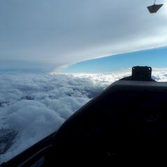 Flugwegposition um 13:48:30: Aufgenommen in der Nähe von Gemeinde Volders, Österreich in 5180 Meter