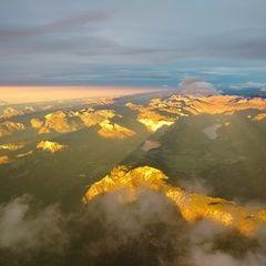 Flugwegposition um 15:34:28: Aufgenommen in der Nähe von Gemeinde Hallstatt, Hallstatt, Österreich in 4198 Meter