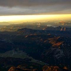 Flugwegposition um 15:31:20: Aufgenommen in der Nähe von Gemeinde Hallstatt, Hallstatt, Österreich in 3846 Meter