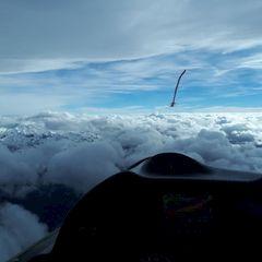 Flugwegposition um 12:28:25: Aufgenommen in der Nähe von Gemeinde Ampass, Ampass, Österreich in 3917 Meter
