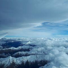 Flugwegposition um 12:35:54: Aufgenommen in der Nähe von Gemeinde Aldrans, Österreich in 4410 Meter