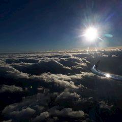 Flugwegposition um 14:54:22: Aufgenommen in der Nähe von Gemeinde Navis, Navis, Österreich in 3990 Meter