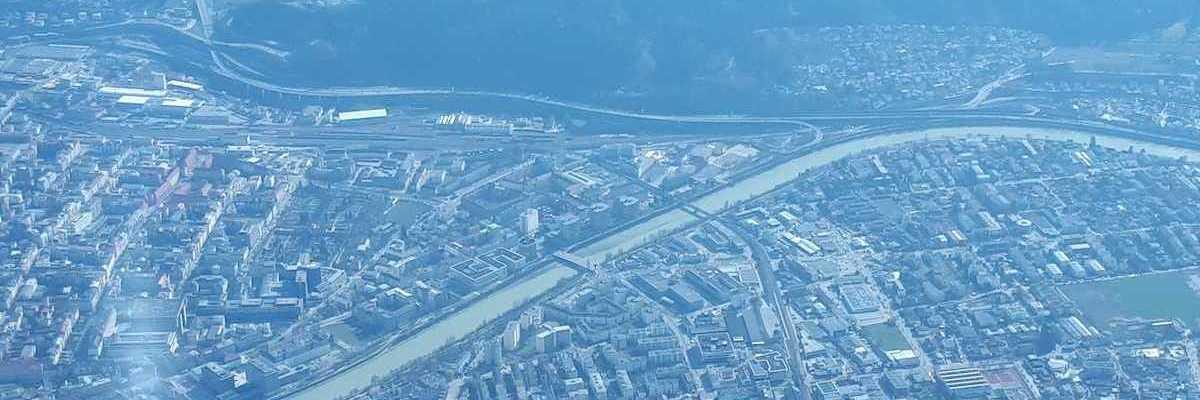 Flugwegposition um 13:01:44: Aufgenommen in der Nähe von Innsbruck, Österreich in 2354 Meter