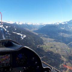 Flugwegposition um 15:07:27: Aufgenommen in der Nähe von Innsbruck, Österreich in 1656 Meter