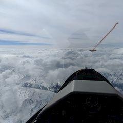 Flugwegposition um 13:28:42: Aufgenommen in der Nähe von Gemeinde Grinzens, Österreich in 5568 Meter