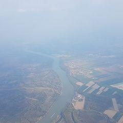 Verortung via Georeferenzierung der Kamera: Aufgenommen in der Nähe von Gemeinde Zwentendorf an der Donau, Österreich in 2200 Meter