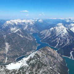 Flugwegposition um 13:19:27: Aufgenommen in der Nähe von Gemeinde Breitenwang, 6600, Österreich in 2442 Meter