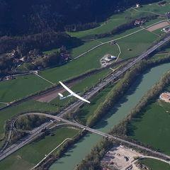 Flugwegposition um 15:17:46: Aufgenommen in der Nähe von Gemeinde Schwoich, Schwoich, Österreich in 1563 Meter