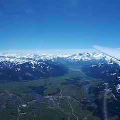 Flugwegposition um 11:19:12: Aufgenommen in der Nähe von Gemeinde Saalfelden am Steinernen Meer, 5760 Saalfelden am Steinernen Meer, Österreich in 2409 Meter