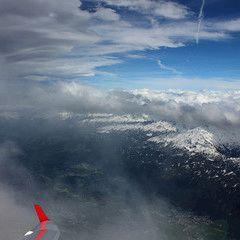 Flugwegposition um 15:00:05: Aufgenommen in der Nähe von Gemeinde Kirchberg in Tirol, 6365 Kirchberg in Tirol, Österreich in 3025 Meter