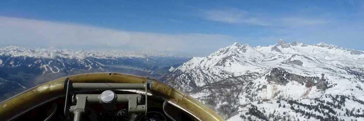 Flugwegposition um 07:17:47: Aufgenommen in der Nähe von St. Martin am Grimming, Österreich in 1542 Meter
