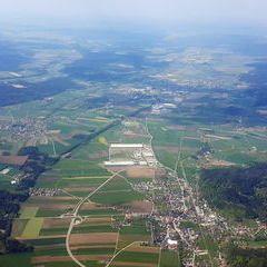 Flugwegposition um 12:59:10: Aufgenommen in der Nähe von Gemeinde Munderfing, Österreich in 2162 Meter