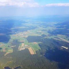Flugwegposition um 15:00:07: Aufgenommen in der Nähe von Gemeinde Traunstein, Österreich in 2447 Meter