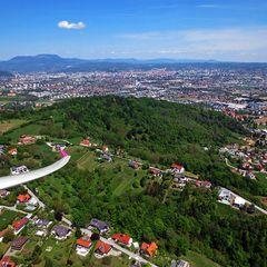 Flugwegposition um 11:10:17: Aufgenommen in der Nähe von Gemeinde Seiersberg, Seiersberg, Österreich in 735 Meter
