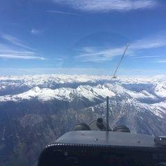 Verortung via Georeferenzierung der Kamera: Aufgenommen in der Nähe von Bezirk Moesa, Schweiz in 3700 Meter