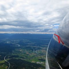 Flugwegposition um 13:13:10: Aufgenommen in der Nähe von Gemeinde Velden am Wörther See, Österreich in 1674 Meter