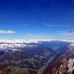 Flugwegposition um 11:55:55: Aufgenommen in der Nähe von Gemeinde Außervillgraten, Österreich in 3221 Meter