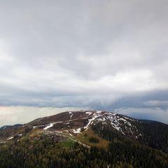 Flugwegposition um 12:31:11: Aufgenommen in der Nähe von Geimende Ossiach, Österreich in 1976 Meter