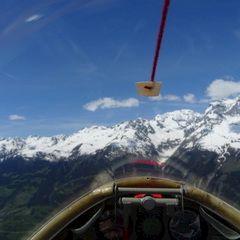 Flugwegposition um 12:04:19: Aufgenommen in der Nähe von Bezirk Surselva, Schweiz in 2090 Meter
