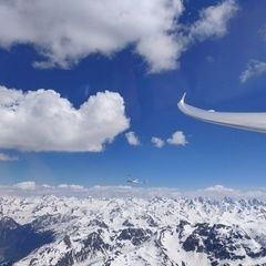 Flugwegposition um 13:32:42: Aufgenommen in der Nähe von Gemeinde St. Gallenkirch, Österreich in 2962 Meter