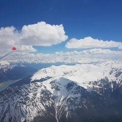 Flugwegposition um 12:23:28: Aufgenommen in der Nähe von Bezirk Inn, Schweiz in 3530 Meter