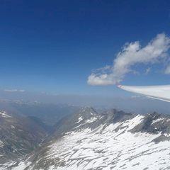 Flugwegposition um 10:49:48: Aufgenommen in der Nähe von Gemeinde Neukirchen am Großvenediger, Österreich in 2980 Meter