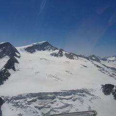 Flugwegposition um 10:49:43: Aufgenommen in der Nähe von Gemeinde Neukirchen am Großvenediger, Österreich in 2975 Meter